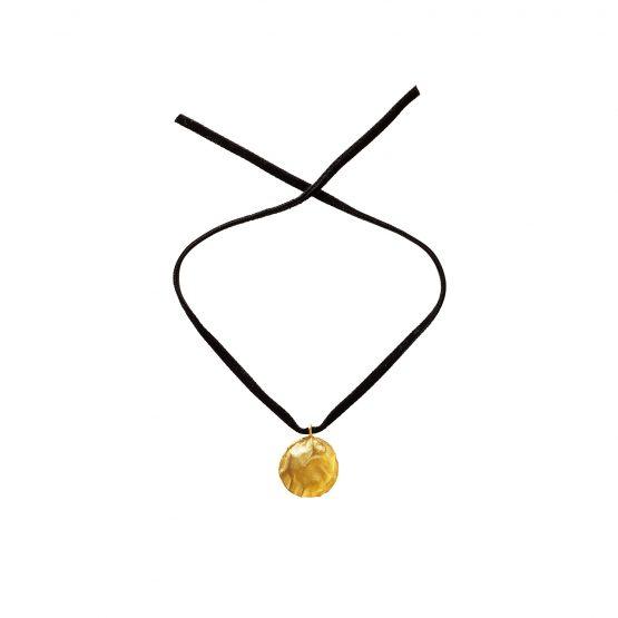 velvet-necklace